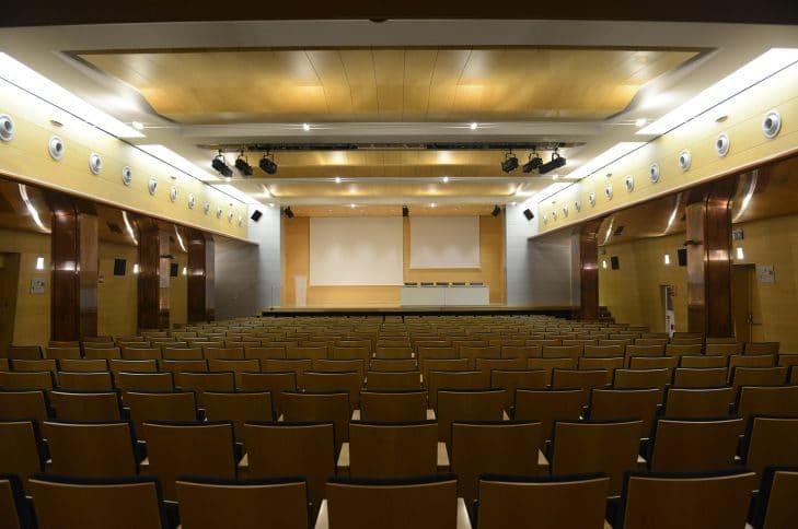 Salón de actos 8